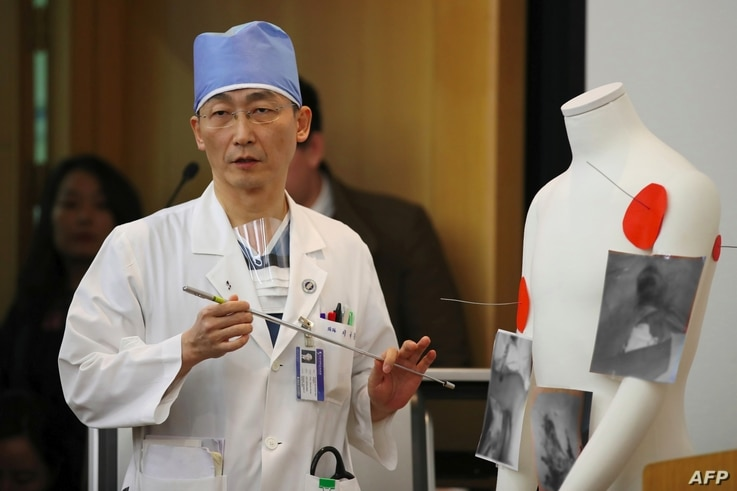 South Korean surgeon Lee Cook-Jong, who operated on North Korean soldier and his gunshot wounds, speaks about the condition of the soldier at Ajou University Hospital in Suwon, south of Seoul, Nov. 15, 2017.