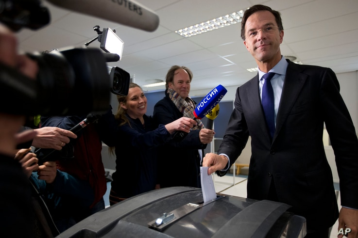 Dutch Prime Minister Mark Rutte casts his vote in a non-binding referendum on the EU-Ukraine association agreement in The Hague, Netherlands, April 6, 2016.