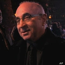 """Actor Bob Hoskins at the London premiere for """"A Christmas Carol"""""""