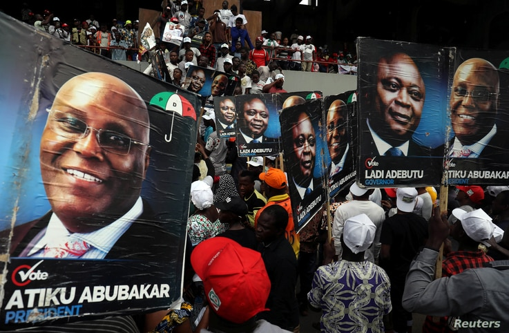 Supporters of the People's Democratic Party (PDP) attend a campaign rally in Lagos,  Feb. 12, 2019.
