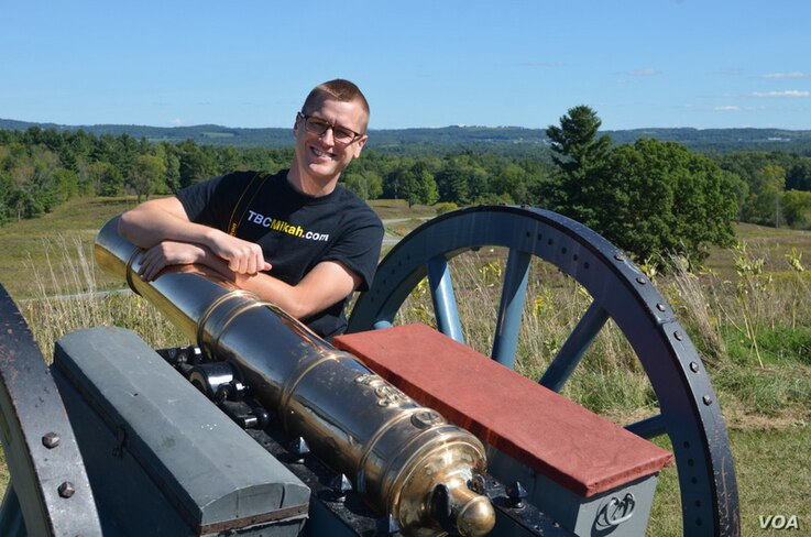 Saratoga Battlefield is where, in the autumn of 1777, American forces met, defeated and forced a major British army to surrender. This crucial victory renewed patriots' hopes for independence.