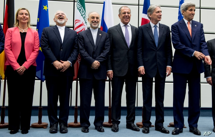From left to right: European Union High Representative Federica Mogherini, Iranian Foreign Minister Mohammad Javad Zarif, Head of the Iranian Atomic Energy Organization Ali Akbar Salehi, Russian Foreign Minister Sergey Lavrov, British Foreign Secreta