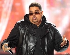 Rapper Heavy D, also known as Dwight Arrington Myers, performs during the BET Hip Hop Awards in Atlanta, October 1, 2011