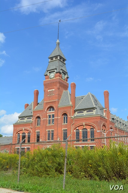 The Pullman Factory Complex featured windows and skylights for ventilation and natural light.