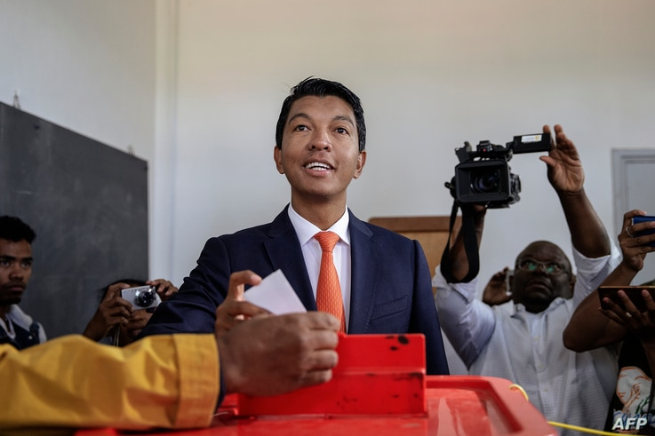 Presidential candidate Andry Rajoelina casts his ballot during the presidential election in Antananarivo, Madagascar, Dec. 19, 2018.
