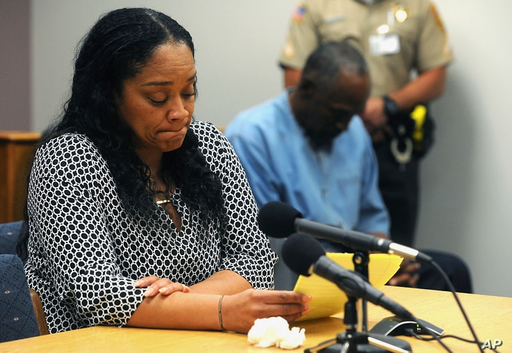 O.J. Simpson listens as his daughter Arnelle Simpson testifies during his parole hearing at Lovelock Correctional Center in Lovelock, Nev., July 20, 2017.