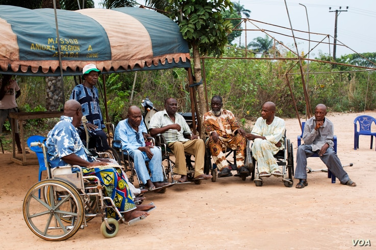 Lawrence Akpu and other disabled Biafra war veterans gather to discuss their support for the pro-Biafra movement. They want southeastern Nigeria to secede and form the country of Biafra. (Photo by Chika Oduah