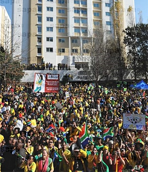South Africans mark final countdown to World Cup, 9 June 2010