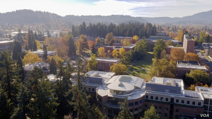 The University of Oregon in Eugene, Oregon during the fall, as seen from above.