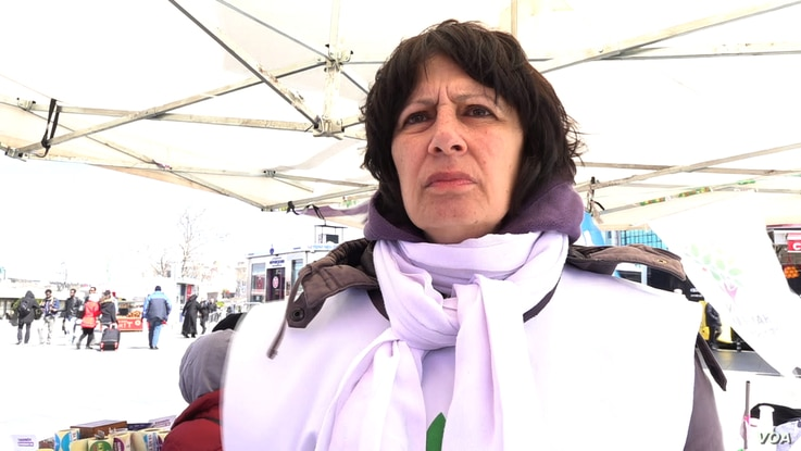 HDP's co-chair of Istanbul's Kadikoy district is working hard to persuade its supporters to vote for the main opposition CHP after the HDP decided to withdraw from key contests. HDP voters could be decisive.
