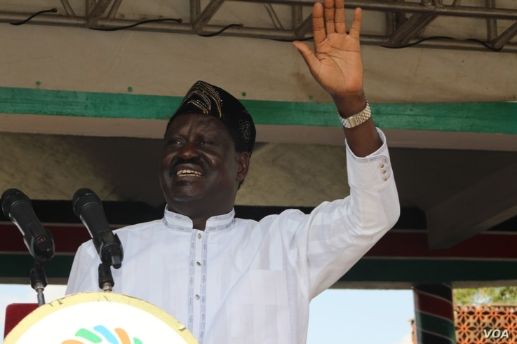Kenyan opposition leader Raila Odinga waves to his Supporters at a rally in the capital, Naairobi, June 1, 2016. (photo: L. Ruvaga/VOA)