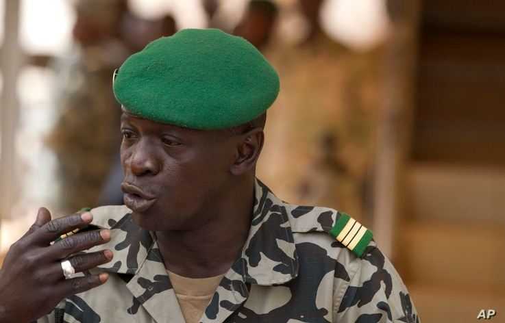 Coup leader Capt. Amadou Haya Sanogo addresses the press at junta headquarters in Kati, outside Bamako, Mali, March 30, 2012.