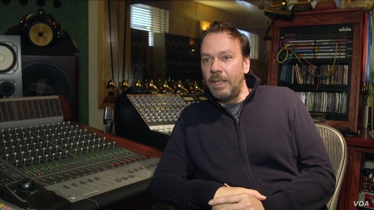 Gustavo Borner, an Argentina native whose Los Angeles music studio worked on 'La La Land,' says he hasn't witnessed discrimination in Hollywood. (A. Martinez/VOA)