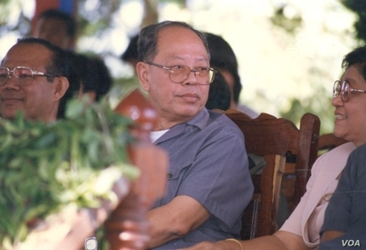 Ieng Sary and his wife in November 1996 during the defection ceremony of Ieng Sary in Pailin. (Youk Chhang/Documentation Center of Cambodia Archives)