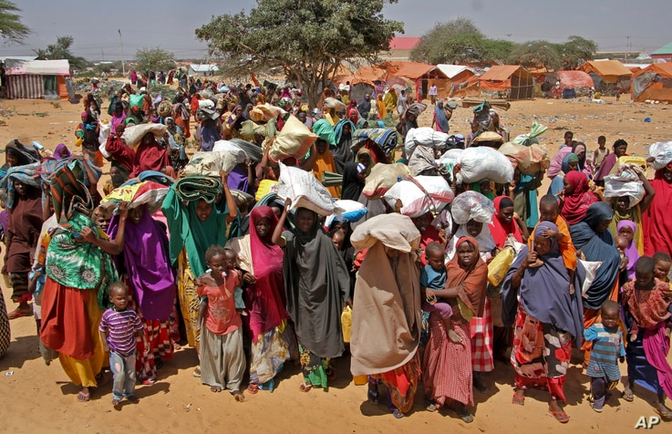 Somalis displaced by the drought, arrive at makeshift camps in the Tabelaha area on the outskirts of Mogadishu, Somalia Thursday, March 30, 2017.
