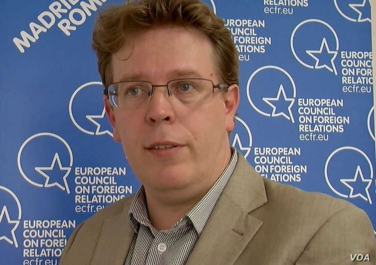 Analyst Manuel Lafont Rapnouil says EU leaders do not want just any trade deal. (L. Bryant/VOA)