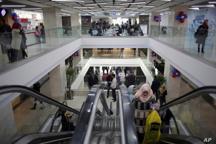 Gaza's first indoor shopping mall opens in Gaza City, Feb. 18, 2017.