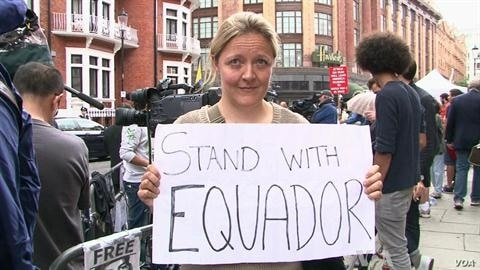 Protesters Support Assange in outside Ecuador's Embassy in London
