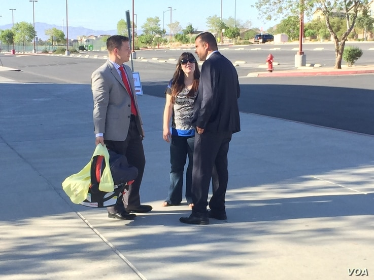 Jesse Sbaih talking to potential voters during the campaign. (K. Farabaugh/VOA)