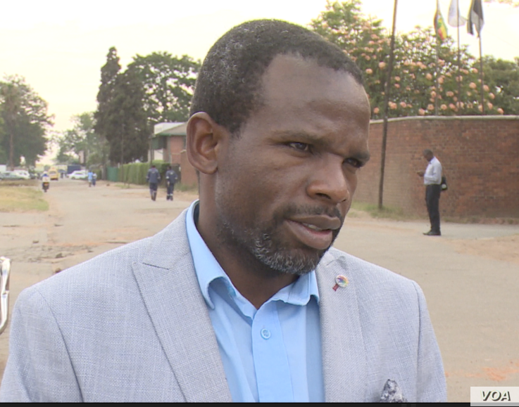 Gift Mugano, an independent economist, Harare says, Oct, 25, 2018, that Zimbabwe's economy will get worse unless the government of President Emmerson Mnangagwa doesn't demonetize the bond notes.