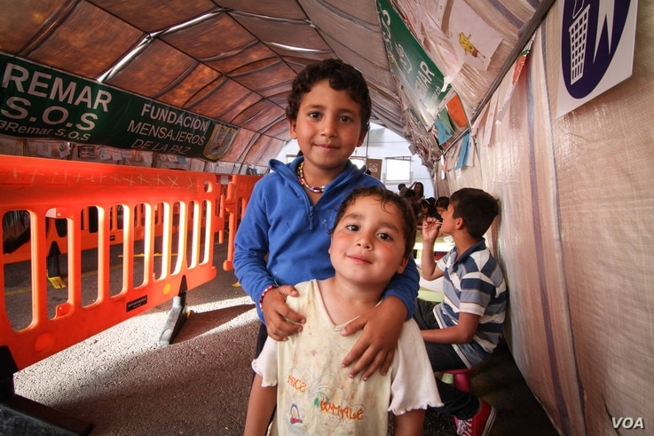 Children at a tent set up by Spanish NGO Remar S.O.S.,  Athens, Greece, April 16, 2016. (Photo: J. Owens/VOA)