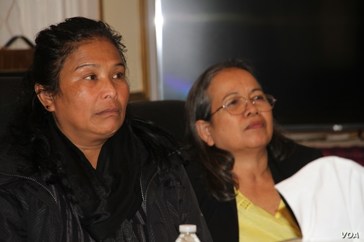 Lim Morn, mother of Chheng Soeun, attended the meeting with the representative of Cambodian official at the Cambodian Embassy in Washington DC, on Monday November 21, 2016. (Ten Soksreinith/VOA Khmer)