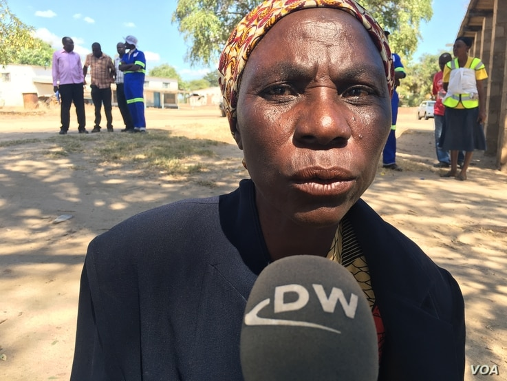 Mabel Nyamono, 60, says that most of the time, kids go to school on empty stomachs in Mudzi District, Zimbabwe, May 2016. (S. Mhofu/VOA)