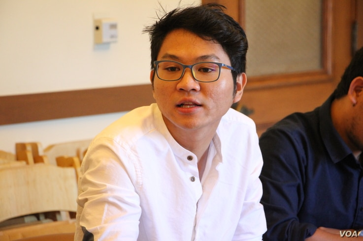 Langda Chea, founder and CEO of BookMeBus, talked during a meeting with the San Francisco Mayor's Office of Civic Innovation while he was on a three-week International Visitor Leadership Program (IVLP). (Sreng Leakhena/VOA Khmer)