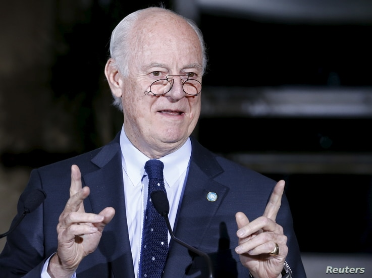 U.N. mediator Staffan de Mistura attends a news conference after a meeting with the High Negotiations Committee (HNC) during Syria Peace talks at the United Nations in Geneva, April 13, 2016.