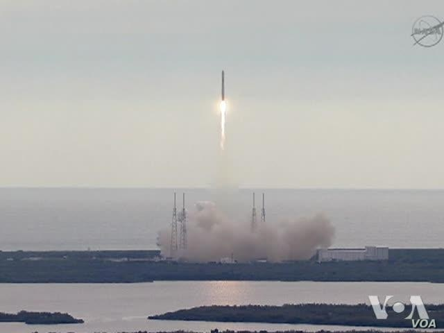 Dragon Resupply Capsule Launched; Heads to Space Station