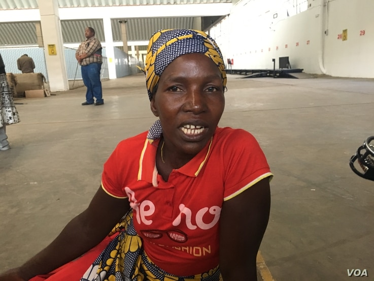 Farmer Laina Magombedzi says she can spend up to a week at the auction floors waiting to be served, and then spend more time queueing for cash at the bank due to over a year-old national cash shortages. She says Zimbabwe's auctions are giving them ...