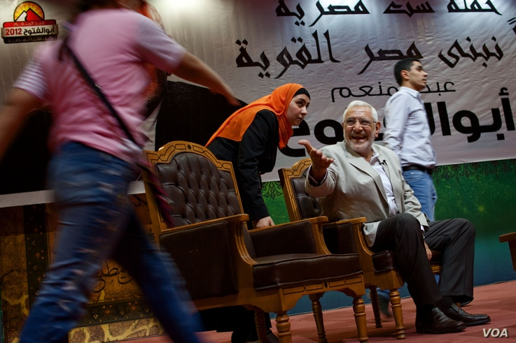 Presidential hopeful Abdel Moneim Aboul Fotouh appeals to a wide section of Egypt's electorate, Cairo, May 15, 2012. (Y. Weeks/VOA)
