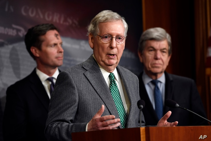 Senate Majority Leader Mitch McConnell of Ky. (C) speaks during a news conference on Capitol Hill in Washington, March 6, 2019.