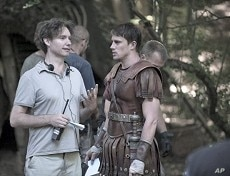 """Kevin McDonald and Channing Tatum on the set of """"The Eagle"""""""