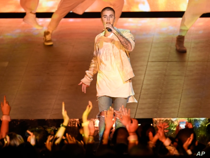 Justin Bieber performs at the Billboard Music Awards at the T-Mobile Arena.