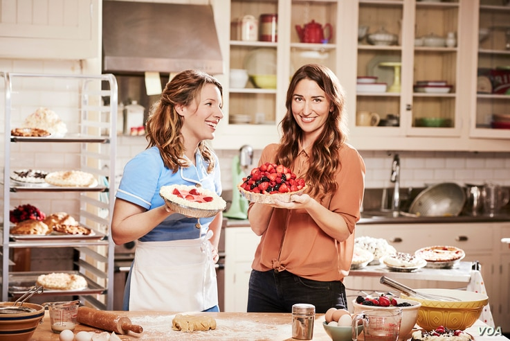 """Singer/songwriter Sara Bareilles, right, and actress Jessie Mueller on the set of """"Waitress."""" (Joan Marcus)"""