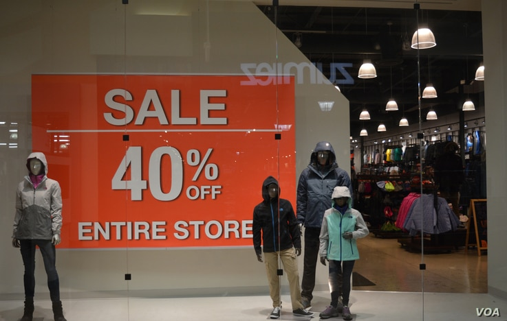 A store in Virginia offers 40% off original prices storewide as the holiday season starts in the United States, Nov. 24, 2016. (Photo: Diaa Bekheet)