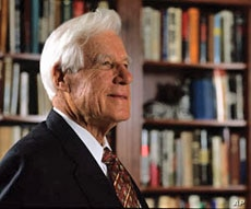 Nuremberg prosecutor Whitney Harris died April 21 in St. Louis, Missouri, at the age of 97.