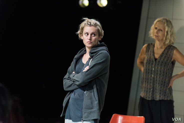A therapist (Barbara Marten, right) tries to reason with Emma (Denise Gough), an alcoholic and addict who has come to rehab in People, Places & Things.
