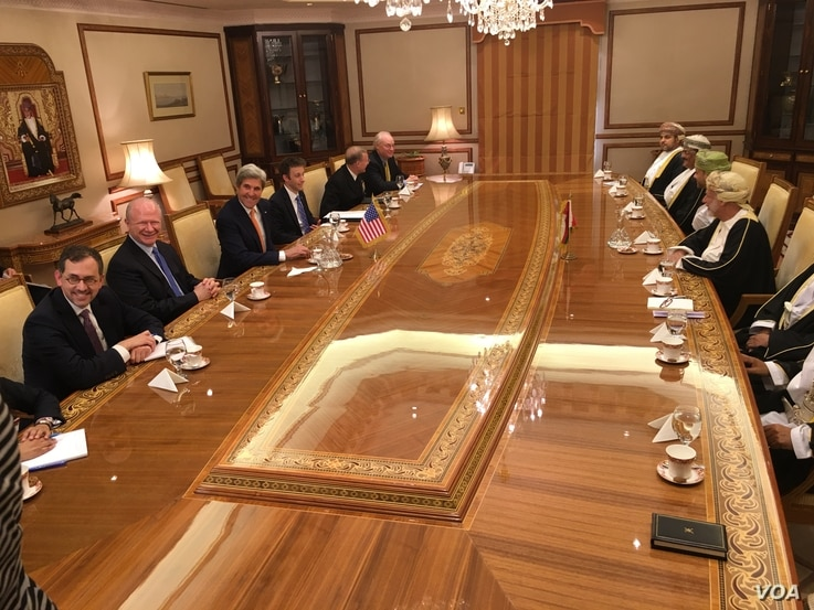 Secretary of State John Kerry held talks Monday with his Omani counterpart, Yusuf bin Alawi, and other officials about a roadmap toward a peace plan for neighboring Yemen, in Muscat, Oman, Nov. 14, 2016. (S. Herman/VOA)