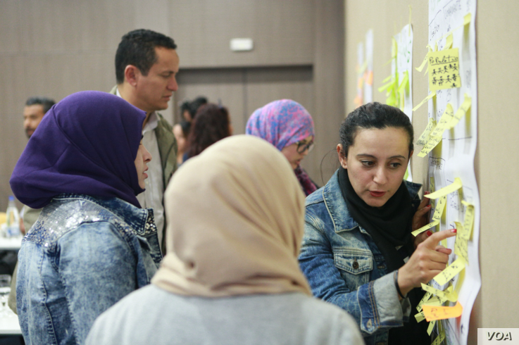 """Participants discussed entrepreneurship and business opportunities in Tunisia's troubled Medenine governorate during a recent three-day """"coworking camp"""" organized by the Cogite CoWorking Project, Feb. 21, 2015."""