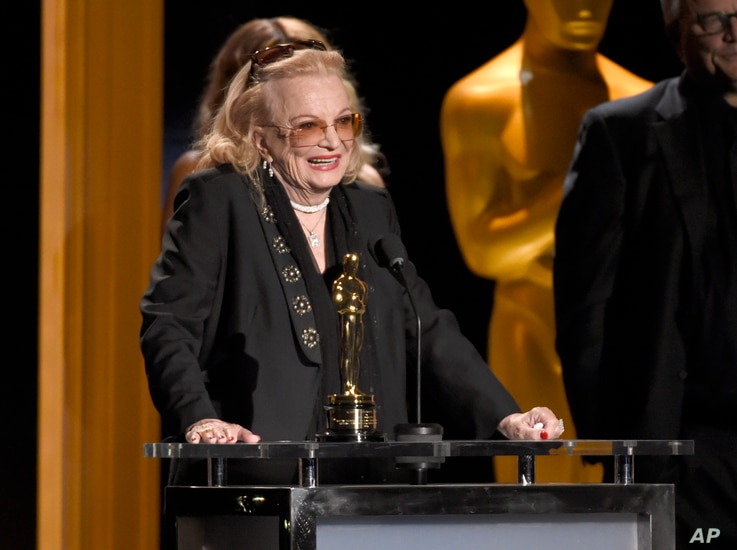 Gena Rowlands accepts an honorary Oscar at the Governors Awards at the Dolby Ballroom, Nov. 14, 2015, in Los Angeles.
