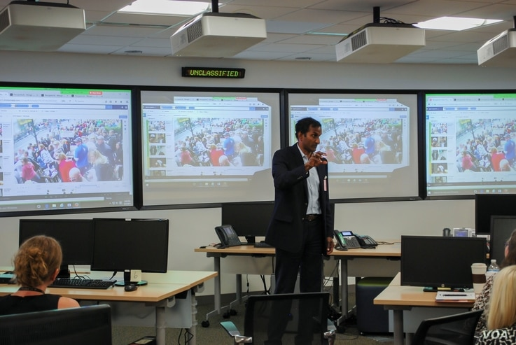 Percipient.ai Co-founder, ret. Brig. Gen. Balan Ayyar,  presents at the Defense Intelligence Agency iHub August 2, 2017 (Courtesy DIA)