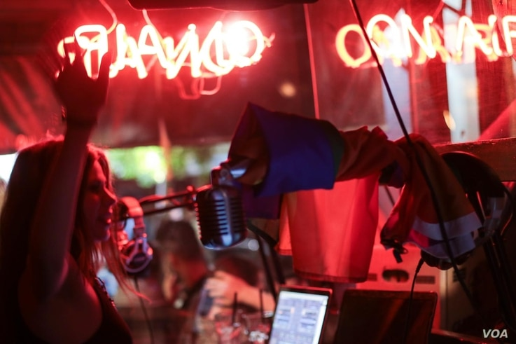 DJs celebrate Beirut Pride with a night of music and partying in Beirut's hip Mar Mikhael district. Around 20 bars flew gay pride flags in solidarity with the event, May 21, 2017. (J. Owens/VOA)