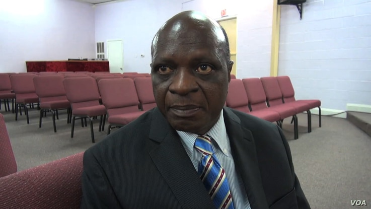 Reverend Nathan Kortu, who ministers to a large Liberian congregation in Euless, near Fort Worth, Texas, Oct. 1, 2014. (VOA \ G. Flakus)