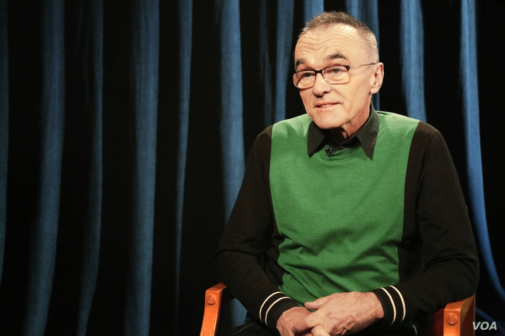 Oscar-winning filmmaker Danny Boyle talks to VOA's entertainment reporter Penelope Poulou about his new movie, T2 Trainspotting. (Photo. N. Pappadogiannakis / VOA)