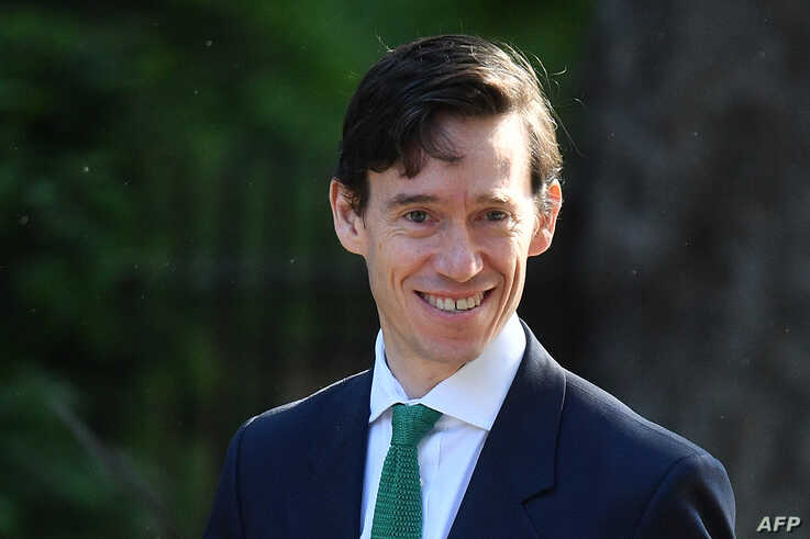 Britain's International Development Secretary Rory Stewart arrives to attend the weekly meeting of the Cabinet at 10 Downing Street in central London on May 21, 2019. (Photo by Daniel LEAL-OLIVAS / AFP)