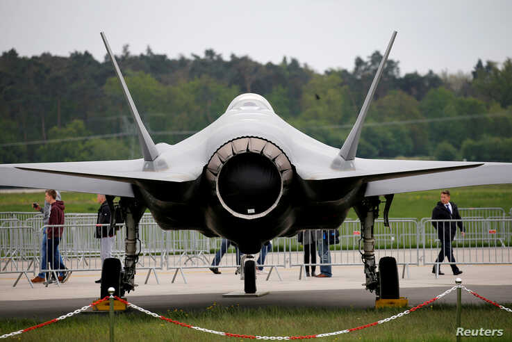 FILE - A Lockheed Martin F-35 aircraft is seen at the ILA Air Show in Berlin, Germany, April 25, 2018.    REUTERS/Axel Schmidt/File Photo - RC1FC93131E0