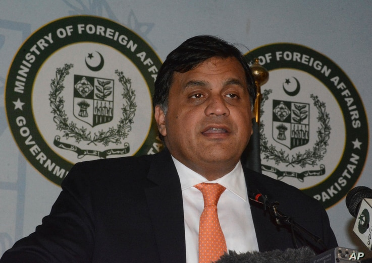 Pakistan Foreign Ministry spokesman Mohammad Faisal briefs reporters in Islamabad, May 1, 2019.