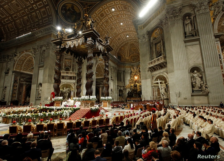 A general view of the Easter vigil Mass led by Pope Francis in Saint Peter's Basilica at the Vatican, April 20,2019.